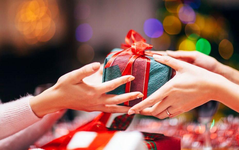 Mơ thấy tặng quà