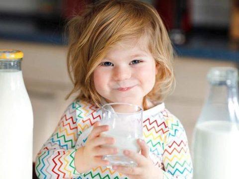 mơ thấy uống sữa